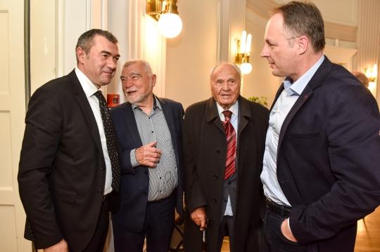 Saša Perković, Stjepan Mesić, Josip Manolić