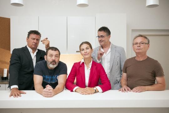 Tarik Filipović i glumci predstave Predsjednici&ca